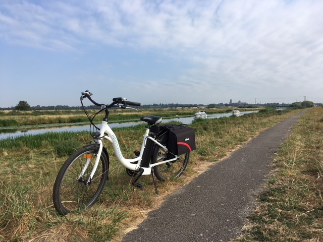 Hire Peter Pedals Electric Bike at Longstonton Park & Ride